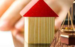 Дарственная на квартиру: можно ли оспорить при жизни дарителя
